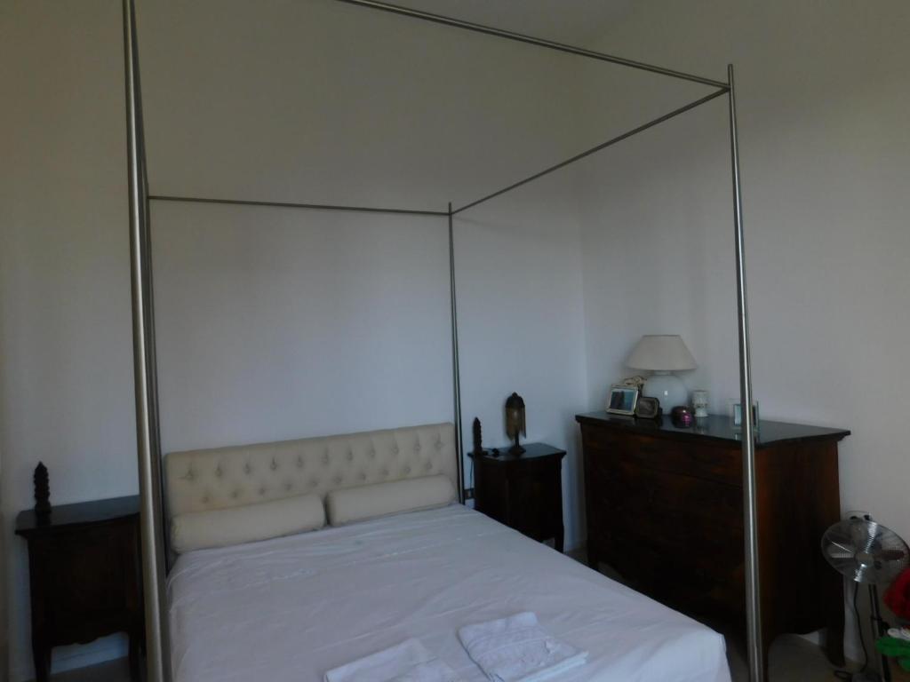 Camera Matrimoniale A Prato.Porta Al Serraglio Alloggi In Famiglia Prato