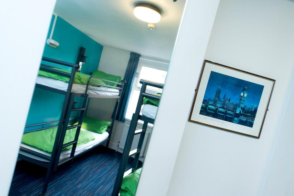 Etagenbett London Bus : Yha london thameside