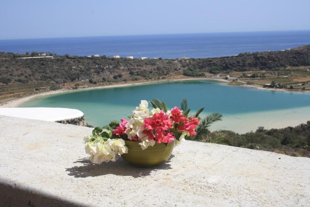 Dammuso La Terrazza sul Lago, Casa vacanze Pantelleria