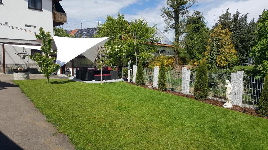 burgauer hof burgau prenotazione on line viamichelin. Black Bedroom Furniture Sets. Home Design Ideas