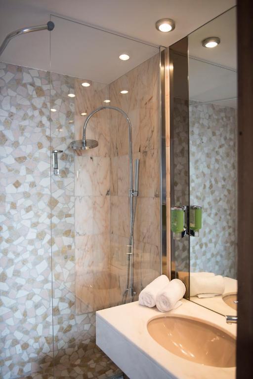 qualys hotel thionville le concorde panoramique r servation gratuite sur viamichelin. Black Bedroom Furniture Sets. Home Design Ideas