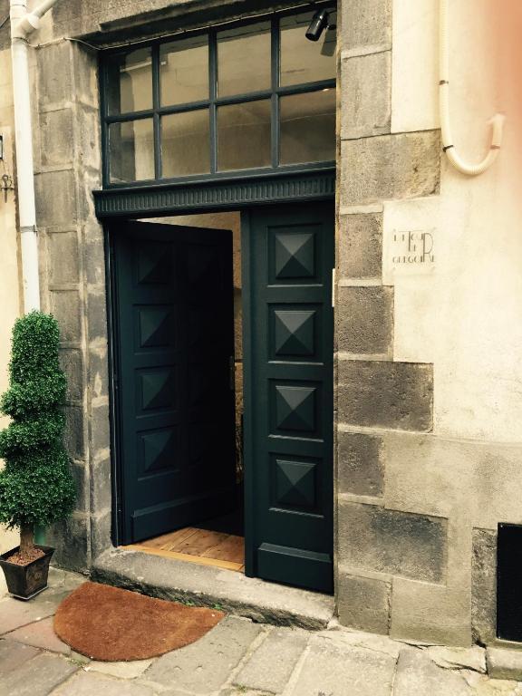 Chambres D Hotes La Tour De Gregoire Chambres D Hotes A Clermont