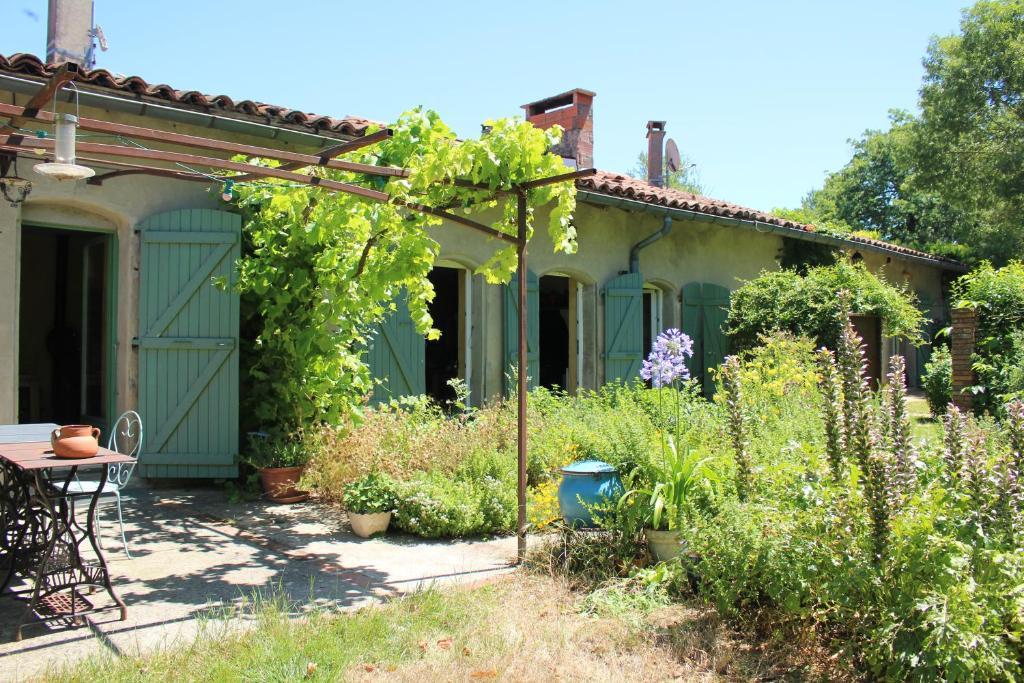 Chambres Du0027hôtes Aux Jardins De Fabie   Chambres Du0027hôtes à Bourg  Saint Bernard En Haute Garonne (31), 18 Km De Toulouse