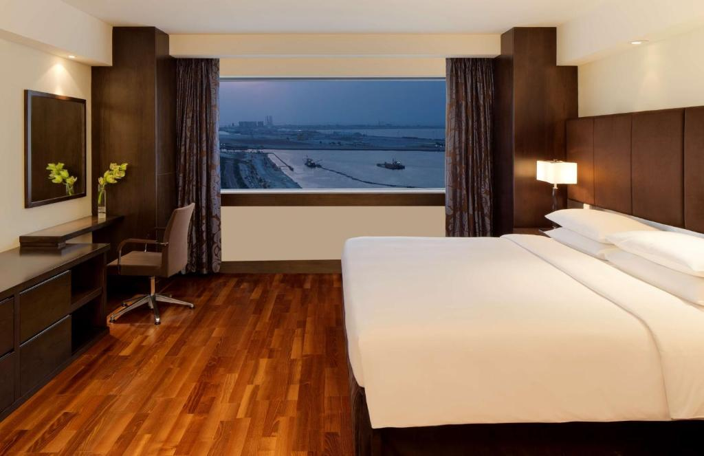 hyatt regency dubai corniche r servation gratuite sur. Black Bedroom Furniture Sets. Home Design Ideas