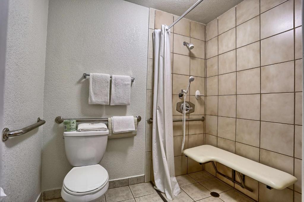 motel 6 san francisco downtown san francisco ca 895. Black Bedroom Furniture Sets. Home Design Ideas