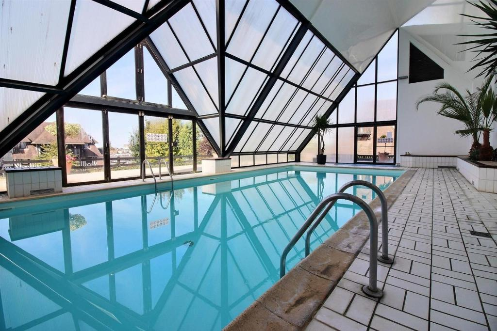 Apartment Deauville Paradise   Apartment In Deauville In Le Calvados (14),  1.5 Km From Trouville Sur Mer