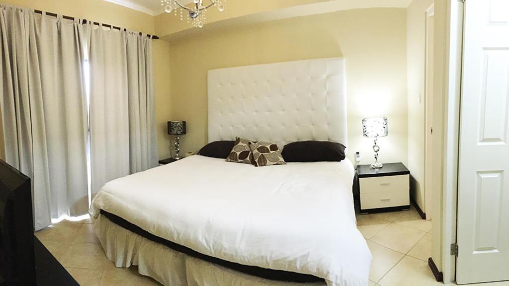gold coast luxury condo one floor apartments malmok
