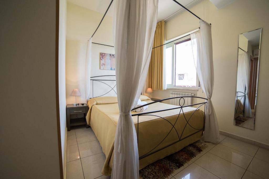 La Terrazza, Bed & Breakfasts Aci Castello