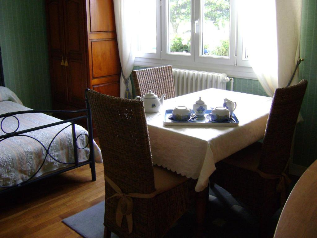chambre d 39 h tes la masana lorient book your hotel with viamichelin. Black Bedroom Furniture Sets. Home Design Ideas