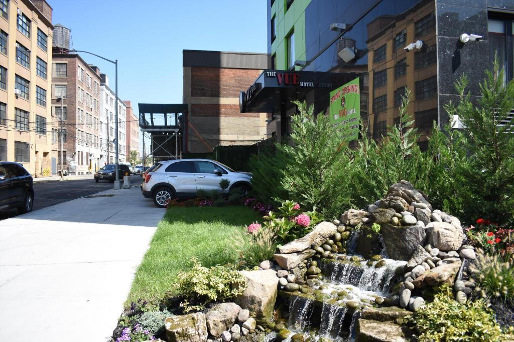 Queens County Inn and Suites - West New York - book your hotel with ...