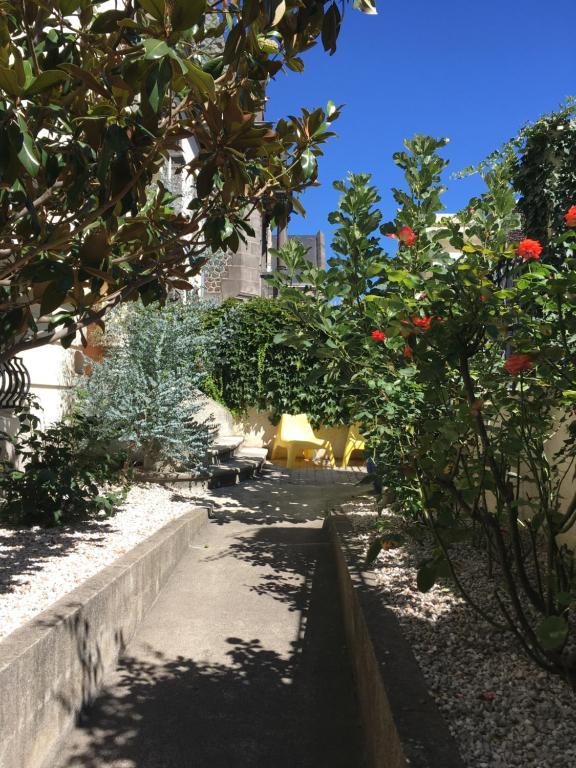 Maison fluorine r servation gratuite sur viamichelin - Petit jardin tropical clermont ferrand ...