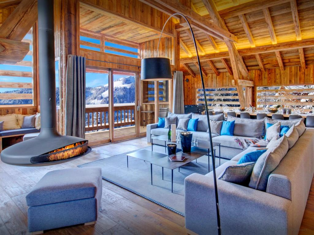 lodge alta clusa chalet la clusaz. Black Bedroom Furniture Sets. Home Design Ideas