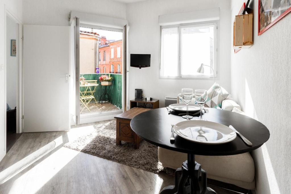Instant Confirmation Rental Toulouse