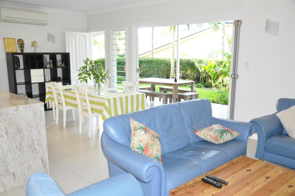 MODERN 3 BEDROOM Wohnung IN TRADITIONAL QUEENSLANDER , PATIO, LEAFY ...