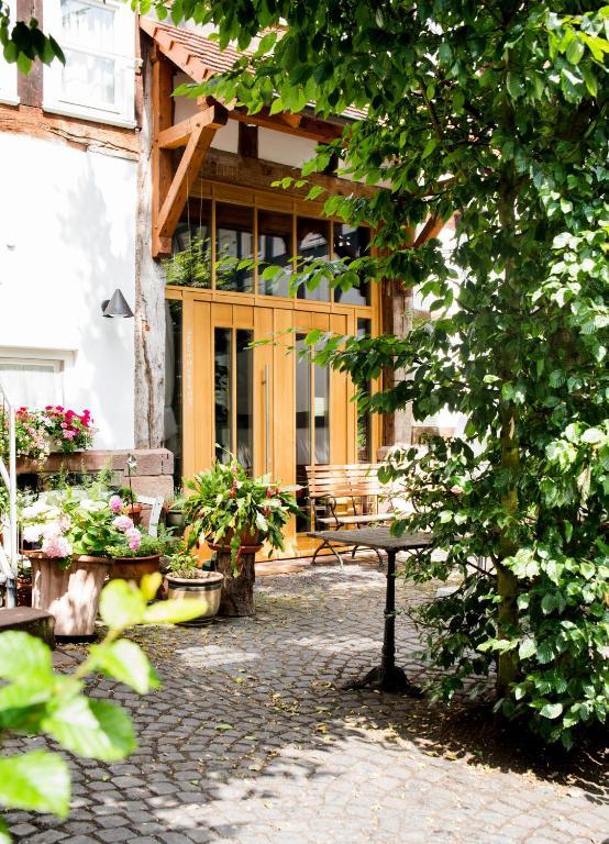 Page 3 Weiershausen Hotels Viamichelin