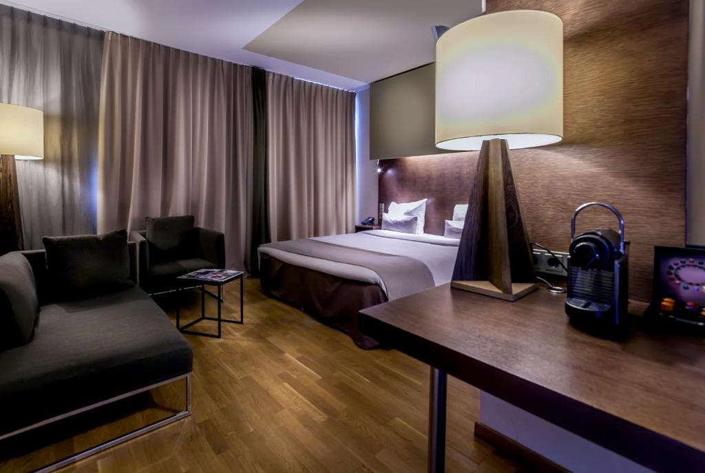 Dutch design hotel artemis amsterdam online booking for Booking design hotel