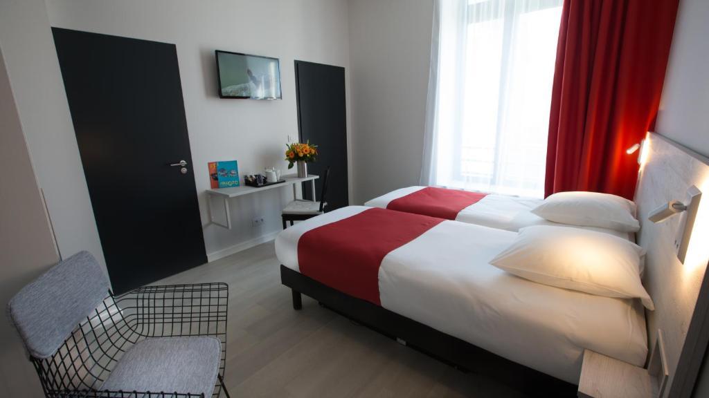 hotel la fabrique r servation gratuite sur viamichelin. Black Bedroom Furniture Sets. Home Design Ideas