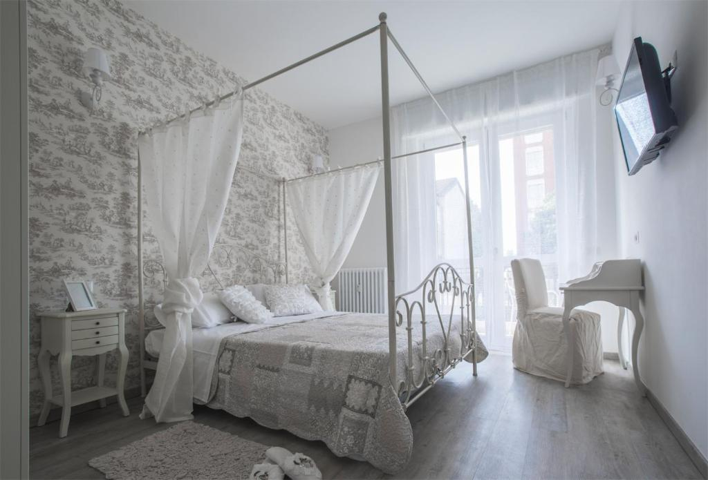 Lilly Chic Monza - Bed & Breakfast in Monza (Lombardy, Italy)
