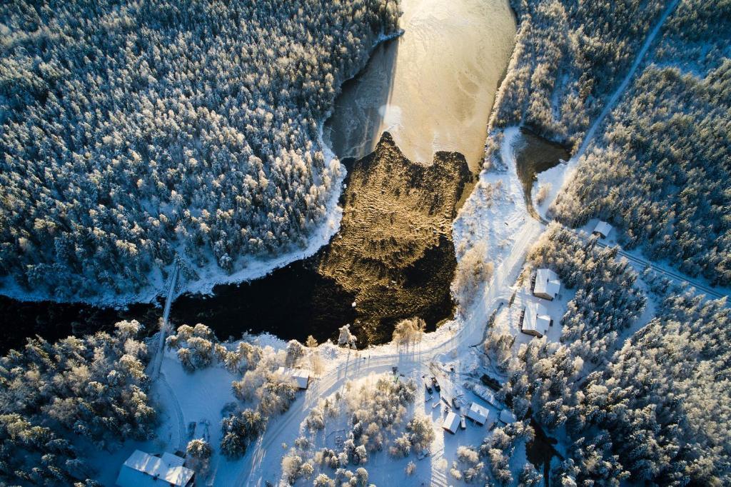 arctic circle wilderness lodge rentals in vikajärvi lapland finland