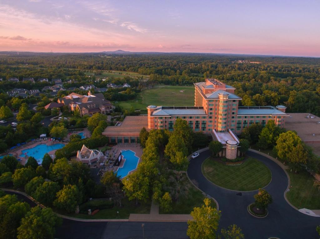 Lansdowne resort leesburg va 44050 woodridge pkwy 20176 - Hotels in lansdowne with swimming pool ...