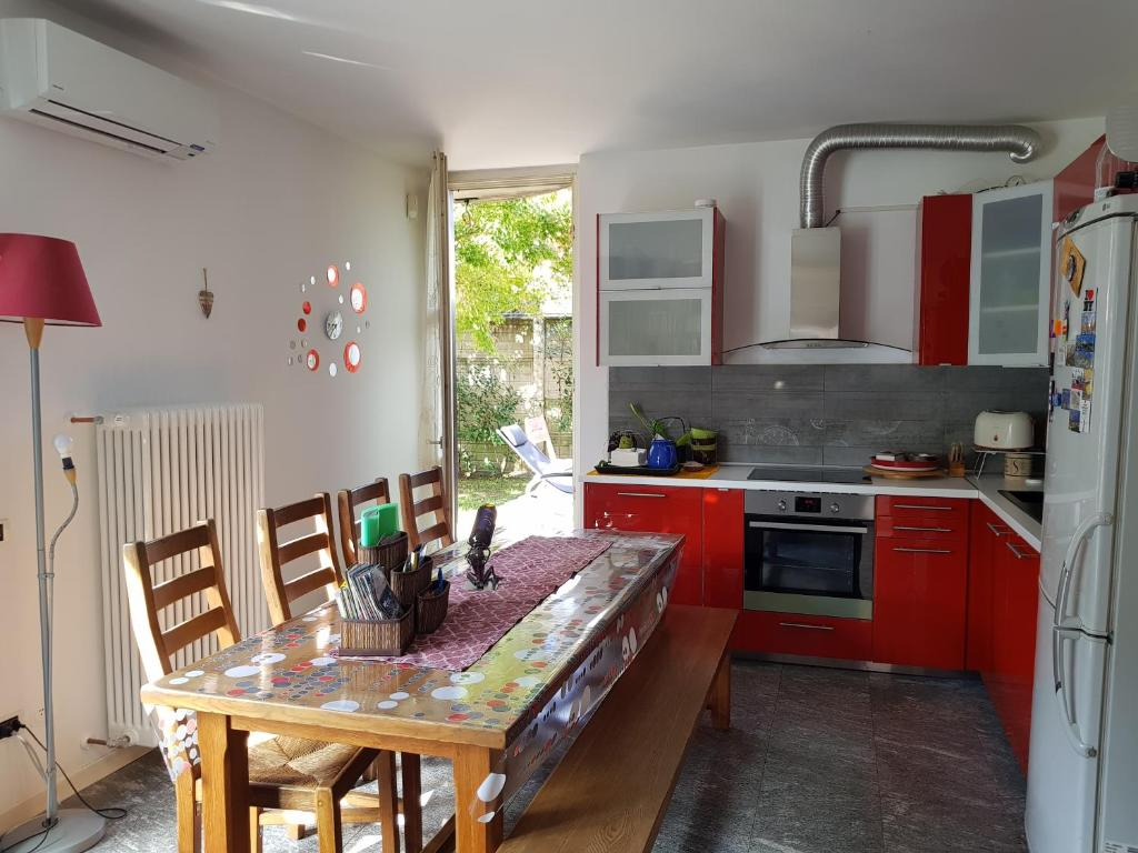 Cucina.Casa Con Giardino E Cucina Apartment Cernusco Sul Naviglio