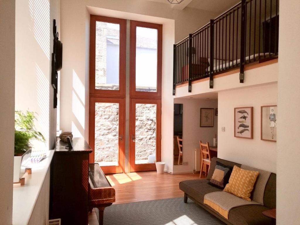 1 Bedroom Mezzanine Apartment Accomodates 4 Apartment Edinburgh