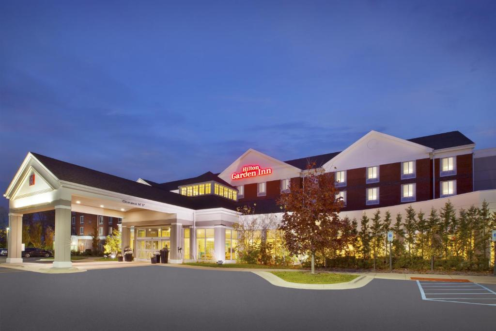 Hilton Garden Inn Detroit Novi Novi Book Your Hotel With Viamichelin