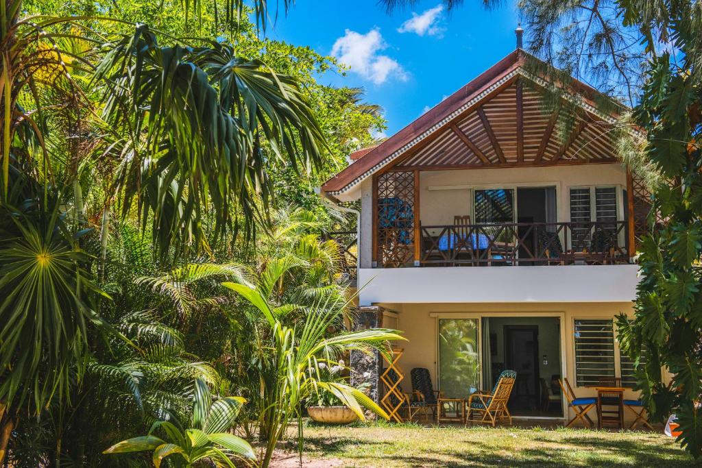 Coconuts - Rentals in Grand Baie (Mauritius)