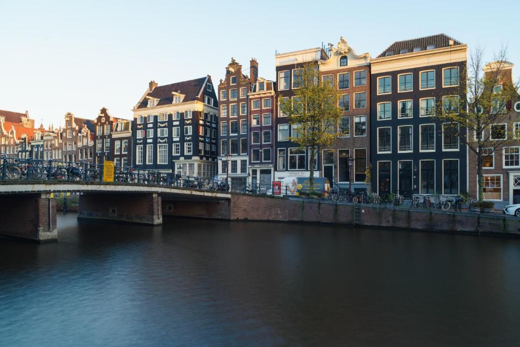 Terra Casa Amsterdam : 18th century groundfloor canal casa with patio garden appartamento
