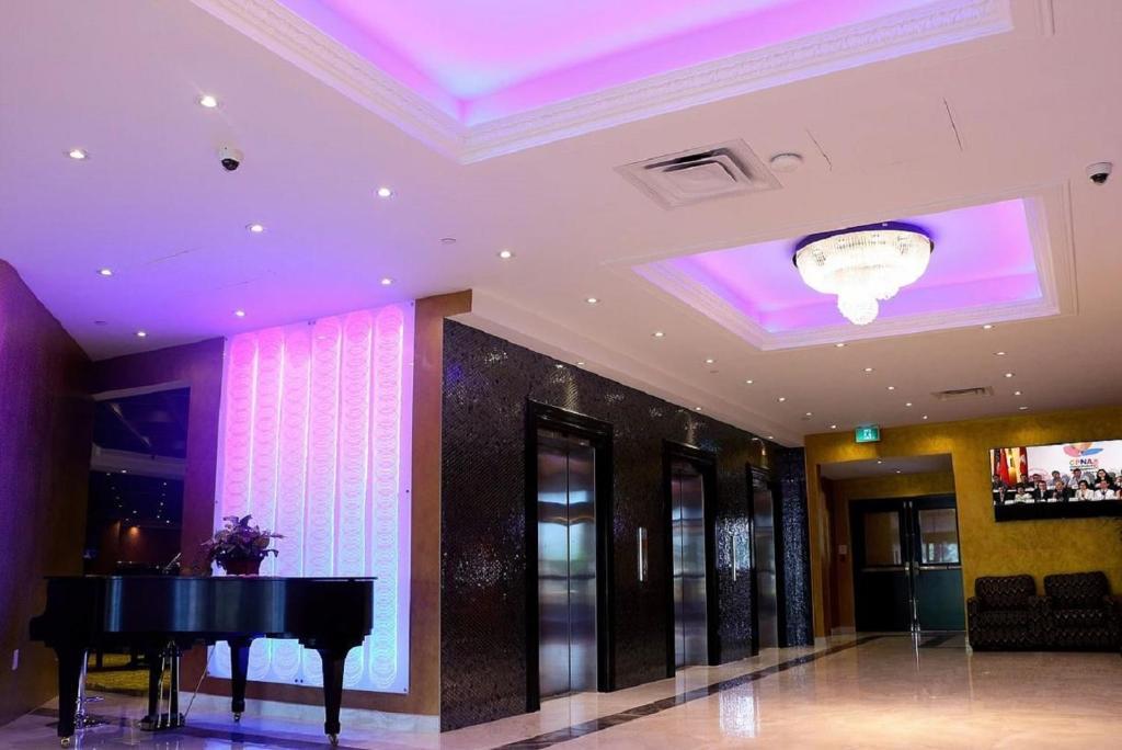 Edward Hotel Toronto North York