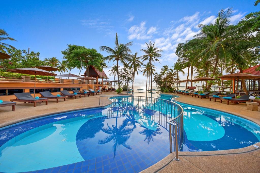 Maenam Beach Pinnacle Resort