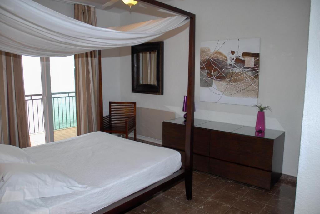 B Und B Hotel Port De Bou