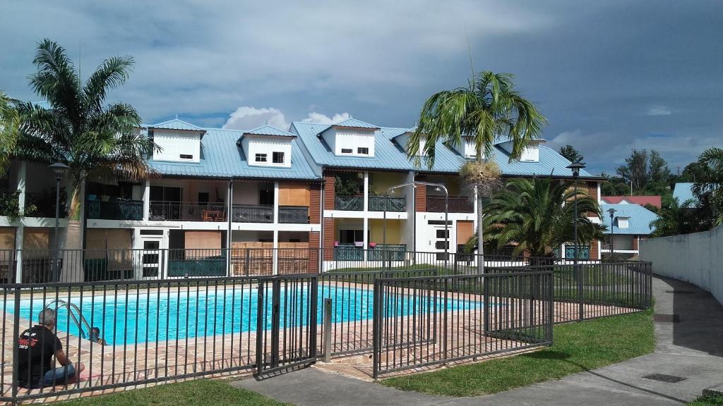 Appartement Jardin De La Roseraie - Appartement à Sainte-Clotilde à ...