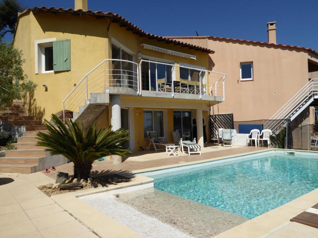 Villa Sur La C Te D Azur Villa Hy Res Dans Le Var 83 12 Km De