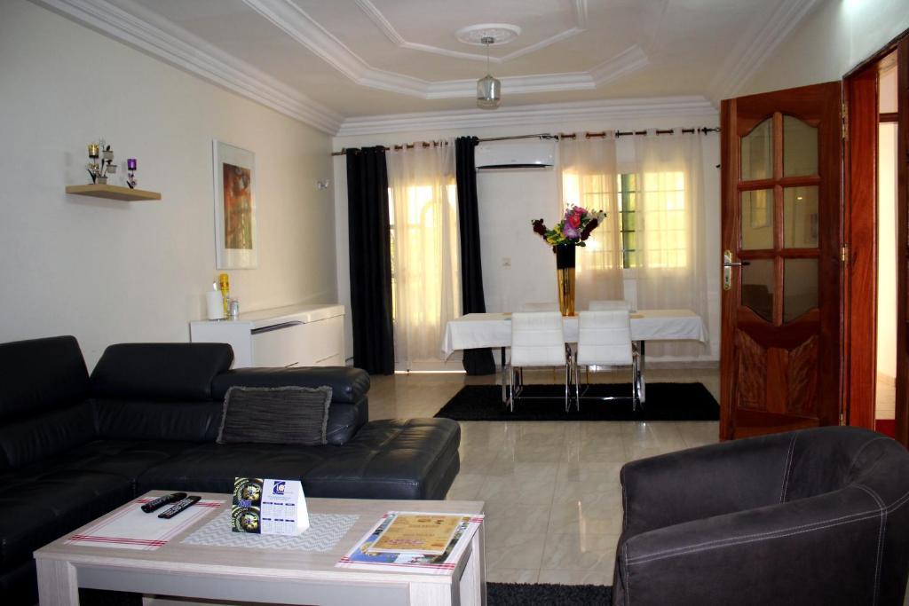 Djily Mbaye, Appart\'hotels Dakar