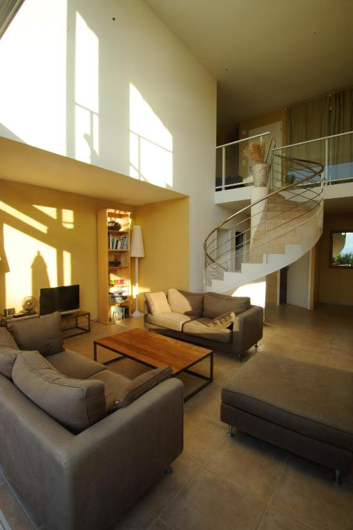 Belle maison d\'architecte vue mer avec piscine, Ferienhaus Coti-Chiavari