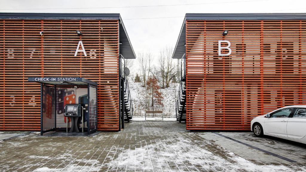 motel domino n rnberg reserva tu hotel con viamichelin. Black Bedroom Furniture Sets. Home Design Ideas
