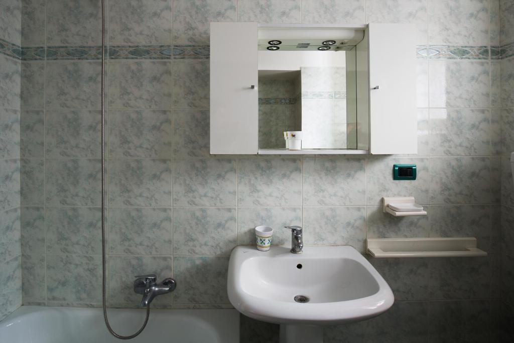 Vasca Da Bagno In Spagnolo : Casa nietta quartieri spagnoli appartamento napoli