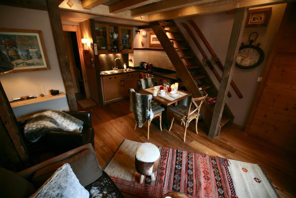 Appartement duplex en vieux bois hyper centre appartement chamonix mont blanc