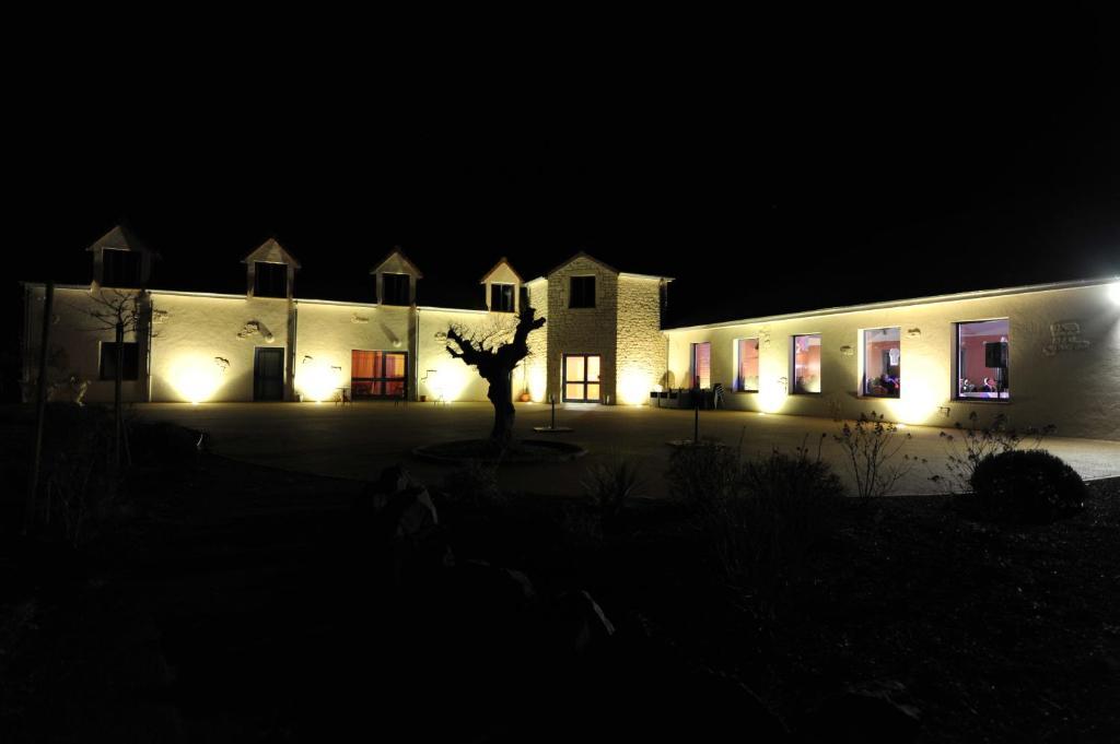 la terrasse des oliviers le lude informationen und buchungen online viamichelin. Black Bedroom Furniture Sets. Home Design Ideas