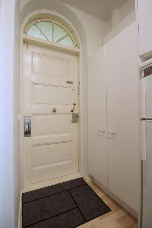 cozy and compact studio apartment in helsinki city center id 7351