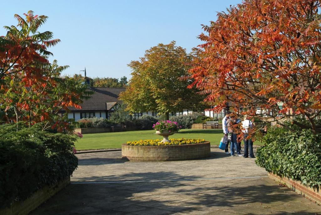 Wyboston Lakes Willows Suite Bedford Online Booking