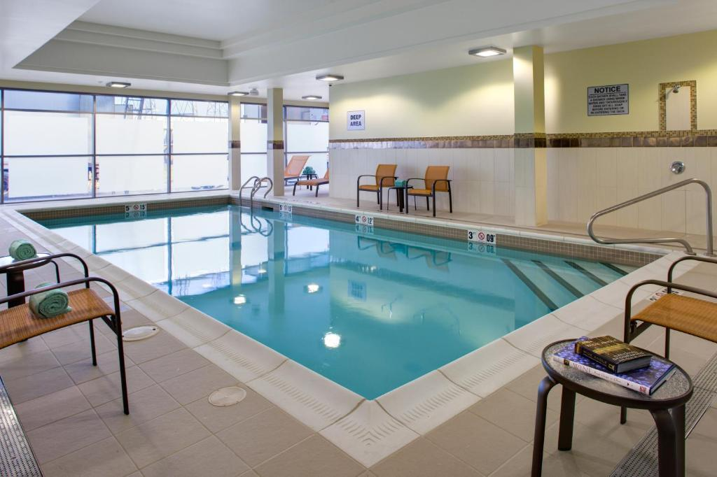 Courtyard By Marriott London Ontario London Book Your Hotel With Viamichelin