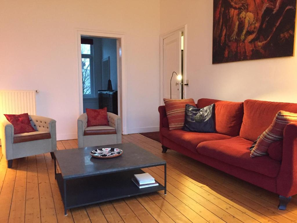 Apartment in beautiful mansion apartment antwerpen