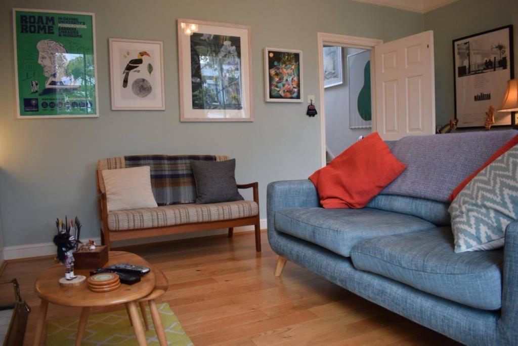 Swell 2 Bedroom Flat In Islington 3 People Apartment London Ibusinesslaw Wood Chair Design Ideas Ibusinesslaworg