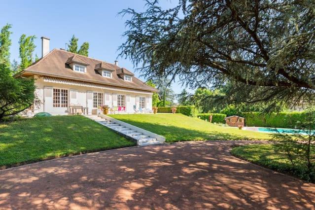 La Maison Des Cdres Bleus Villa SaintCyr Au Mont DOr