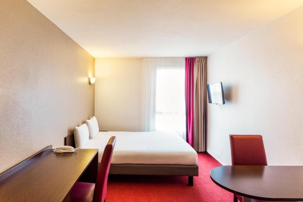 aparthotel adagio access paris vanves porte de versailles. Black Bedroom Furniture Sets. Home Design Ideas