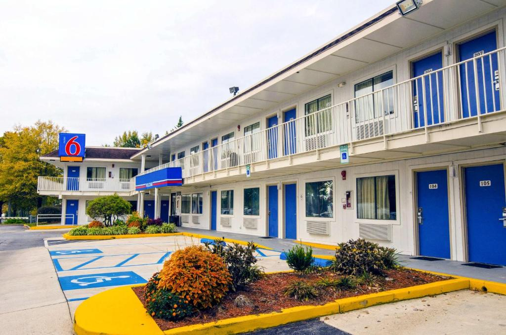 Motel  Camp Springs Md