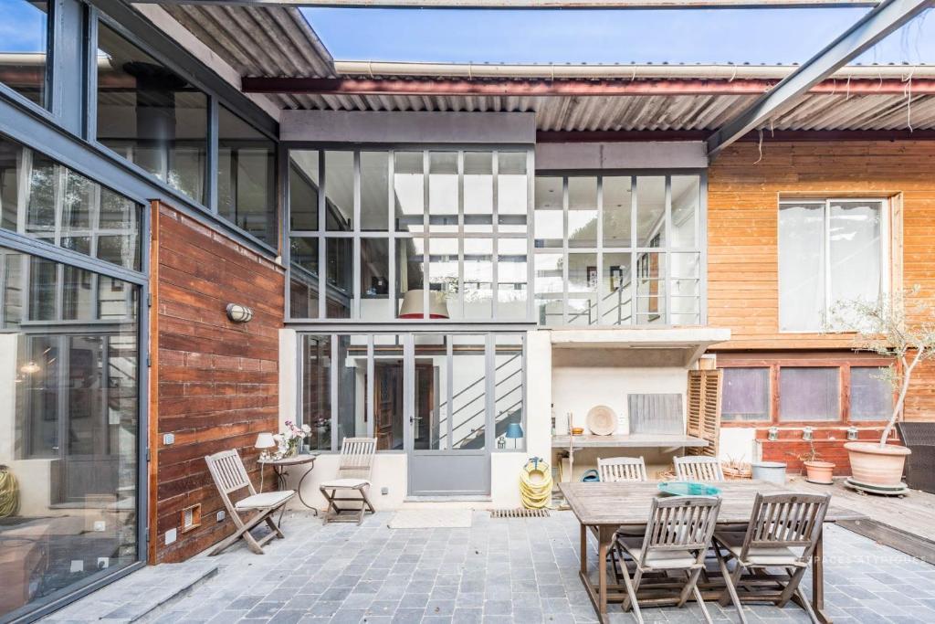 Industriele Loft Woonkamer : Appartement loft industriel avec patio 245 m2 appartement pégomas