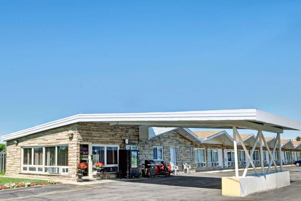 Kitchener Airport Restaurants
